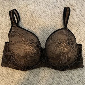 Cacique Black and Tan Lacy Bra EUC  42D
